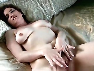 Beauteous Unhaved Mom Have Fun With Her Cunt