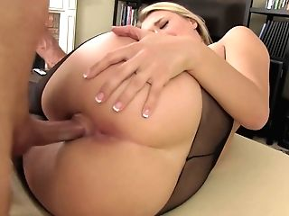 Bootyful Housewife In Sexy Nylons Natalia Starr Gives A Oral Pleasure And Gets Fucked Hard