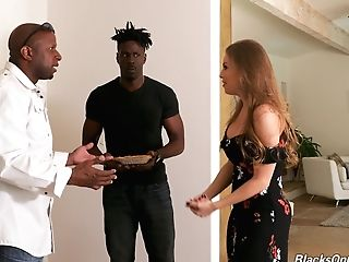 Insane Milky Bitch Britney Amber Offers Herself To A Duo Of Horny Black Guys