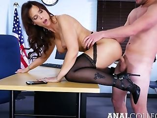 Lewd Tutor With Big Fun Bags Syren De Mer Revved To Be Insatiable Rectal Biotch