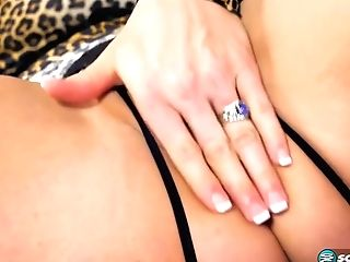 Astonishing Blonde Cougar, Taylor Leigh Got Her Snatch Munched And Slammed With A Hard Meat Stick