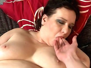 Chubby Matures Lady Sucking And Fucking In Point Of View Style - Maturenl