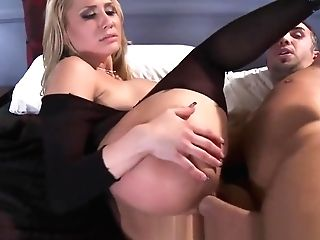 Brazzers - Dirty Blonde Cougar Alanah Rae Loves Buttfucking