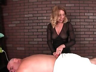 Matures Masseuse Predominates Her Customers Dick