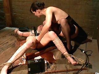 Alani Pi & Bobbi Starr In Spunking By Copper - Electrosluts