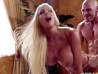 Luxurious Big-titted Mummy At The Rubdown Mirage - Nicolette Shea And Johnny Sins