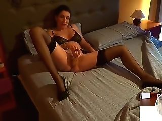Moms Instruct Hump - Mom Tempts Her Cherry Stepson