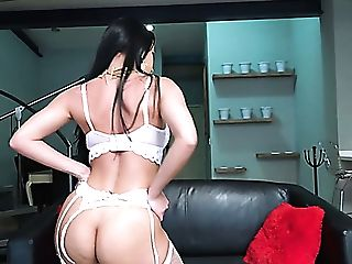 After Bragging Of Sexy Big Bubble Bum Lusty Analine Luvs Good Raunchy Ass-fuck