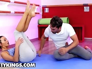 Reality Kings - Taut Nubile Alyssia Ken Squirts In Her Yoga Pants