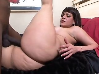 Astonishing Latina Mummy Miss Raquel Is Totally Into Railing Fat Black Trunk